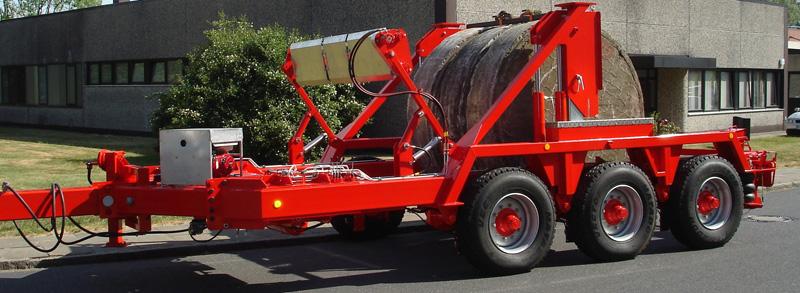 u 型结构的拖车式电缆拖车末端为开口式设计, 可以直接将电缆线盘推送